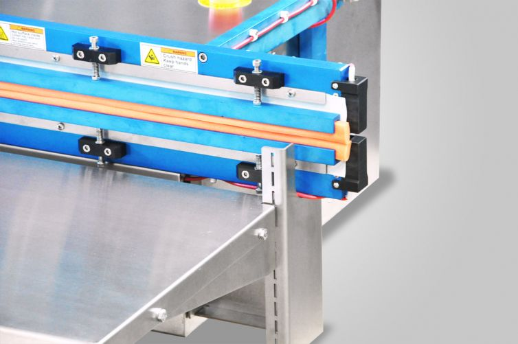Tool-Less Height Adjustable Working Platform